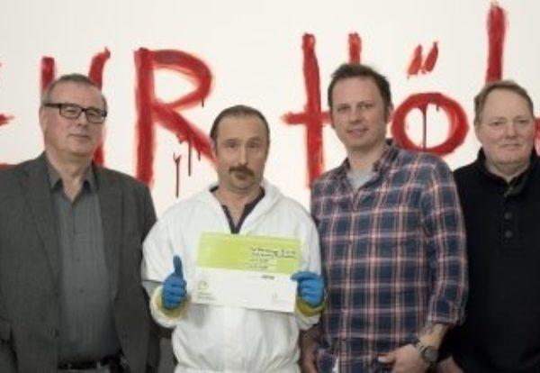 """Schotty beseitigt alle Spuren: """"Der Tatortreinger"""" mit dem 'Grünen Drehpass' ausgezeichnet"""